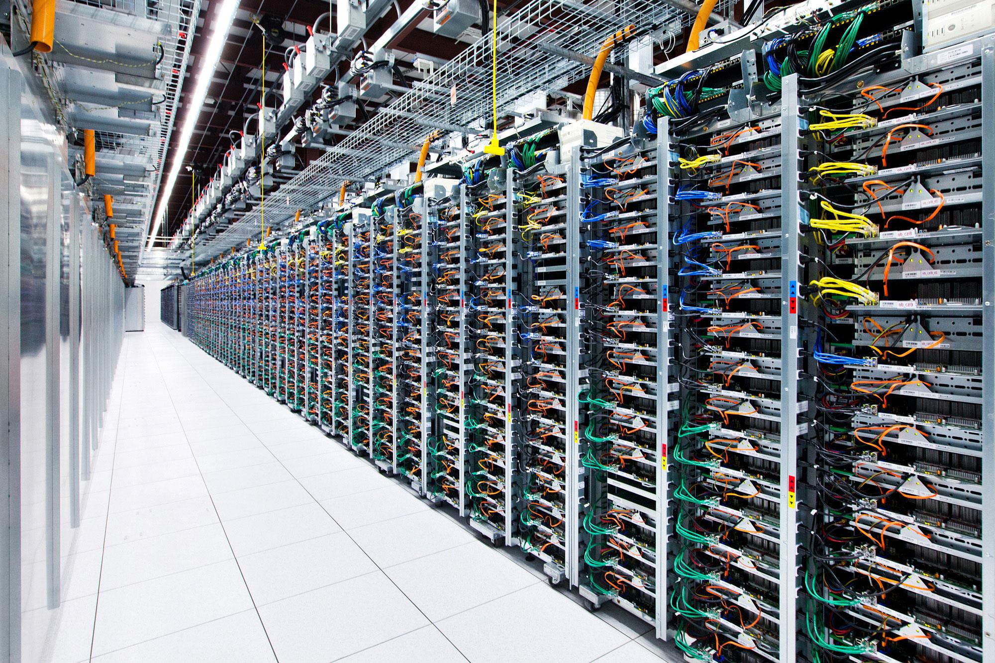 Vue des serveurs du centre de données de Google à Comté de Mayes, Oklahoma